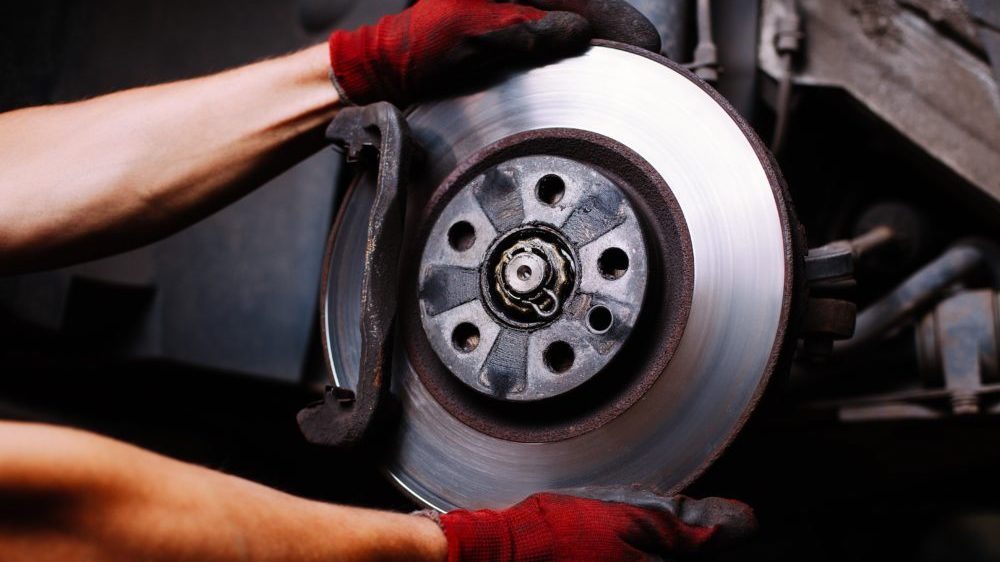 Squeaking brakes, used brake pads and discs? See what your car is trying to tell you